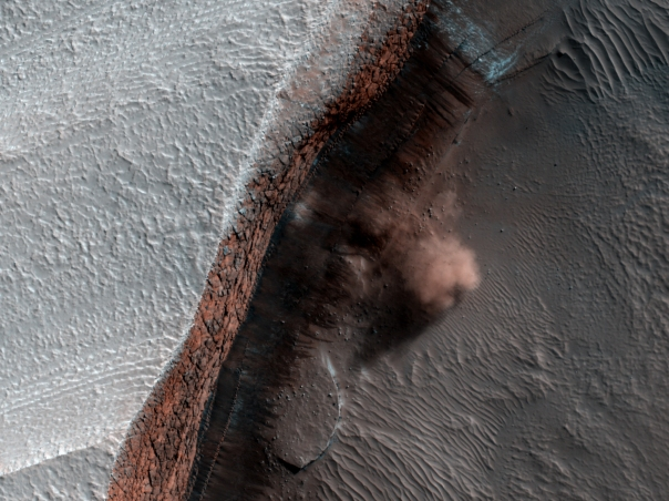 Avalanche_Clouds_HiRise