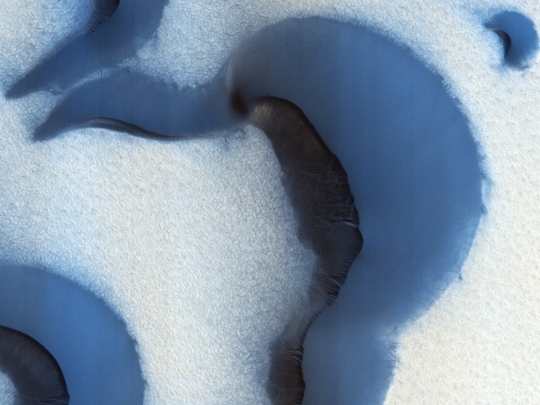 Ice_on_Sand_Dune_North_Pole_HiRise