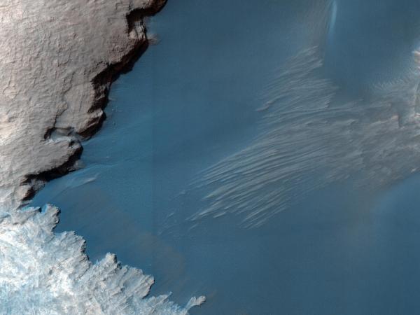 Mars_Sand_Dune_MRO