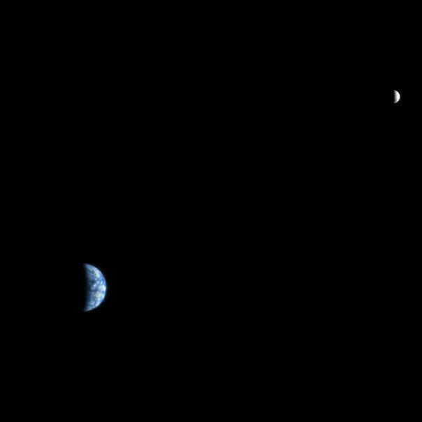 The_Earth_and_the_Moon_photographed_from_Mars_orbit